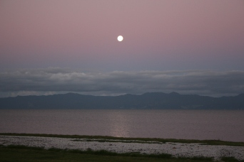 Moon rise at sunset. The colours can be so serene.
